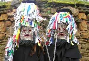Dos de los personajes de los Campanones de Quintanilla de Yuso. Foto: San Yusto