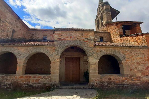 Iglesia de Castrocontrigo.